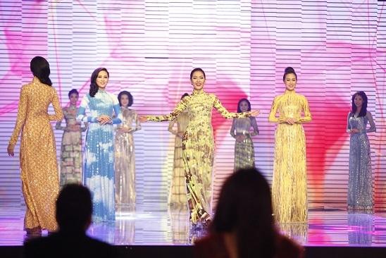 Những hình ảnh đẹp trong đêm chung kết Hoa khôi áo dài Việt Nam