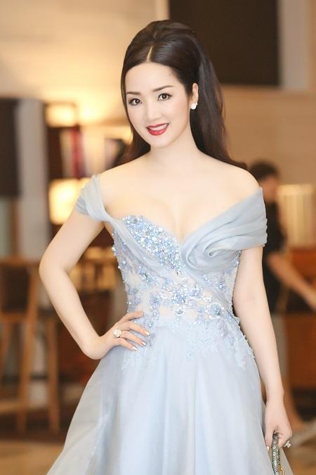 Hoa hậu Giáng My cuốn hút mọi ánh nhìn bằng nhan sắc không tuổi