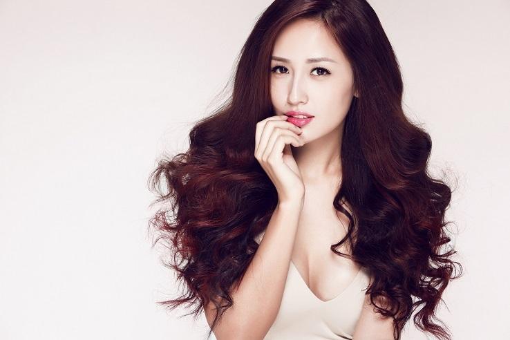 Hoa hậu Mai Phương Thúy ngày càng gợi cảm