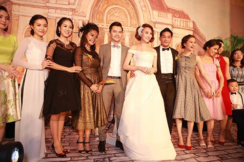 Ngân Khánh xuất hiện rạng rỡ trong chiếc váy cưới sang trọng.
