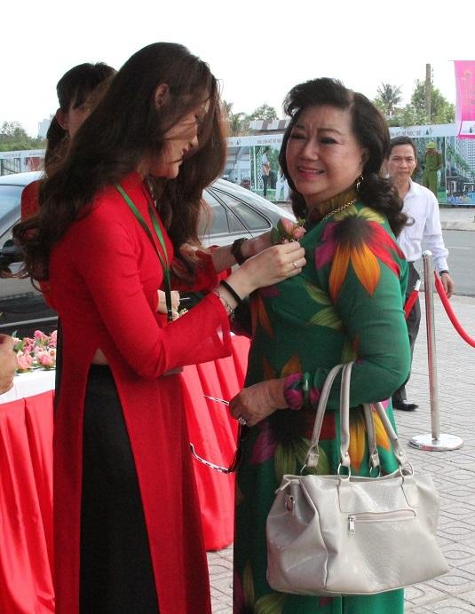 NSND Kim Cương cũng đến chung vui tại sự kiện ý nghĩa