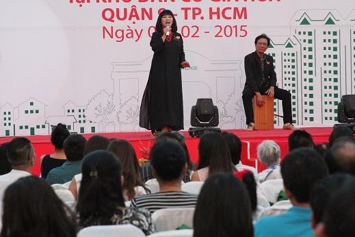 Ca sĩ Cẩm Vân dành tặng cho chương trình ca khúc