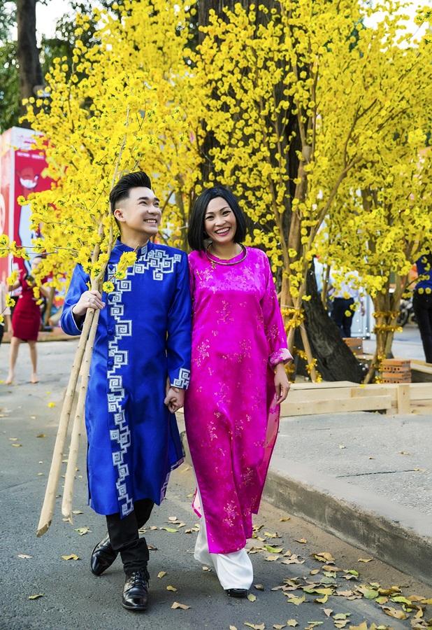 Về công việc, Quang Hà cũng vừa mới ra mắt một album ca nhạc trước khi đi Mỹ lưu diễn.