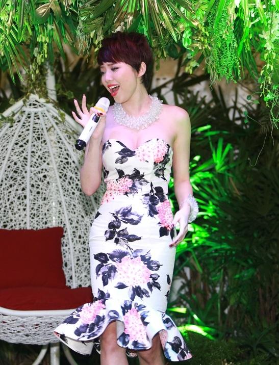 Trước tình cảm của mọi người dành cho mình,Tóc Tiên đã quyết định cho ra mắt MV