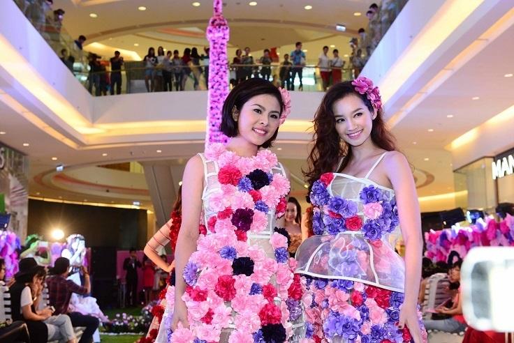 Vân Trang và Trúc Diễm trong trang phục ấn tượng