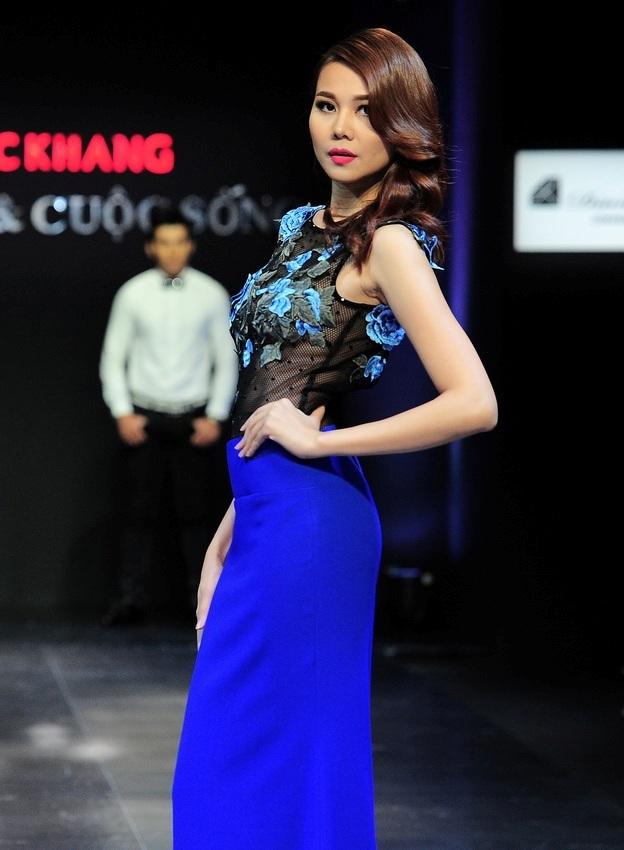 Thanh Hằng đã hoàn thành vai trò vedette của mình hoàn hảo trong chương trình tối qua.