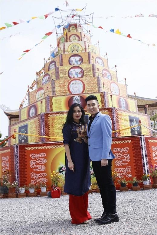 Thanh Lam cùng Quang Hà hát mừng Khóa tu mùa xuân