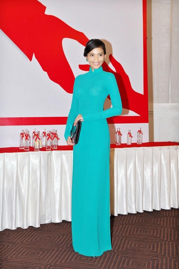 Á hậu Trương Thị May ngồi ghế giám khảo
