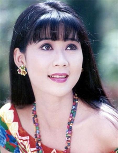 Nữ diễn viên sở hữu gương mặt khả ái và đôi mắt thoáng buồn mang tên