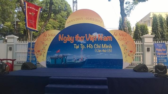 """Thơ Việt vẫn không """"lạc lõng"""" giữa Sài thành"""
