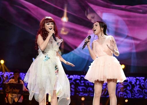 Hiền Thục cũng là khách mời nữ duy nhất góp mặt trong liveshow của Thủy Tiên vào tối qua.