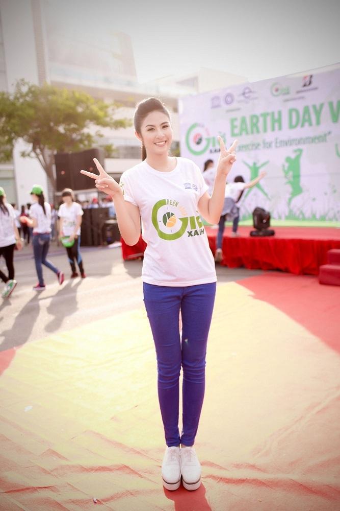 Hoa hậu Ngọc Hân hết mình cùng Ngày trái đất