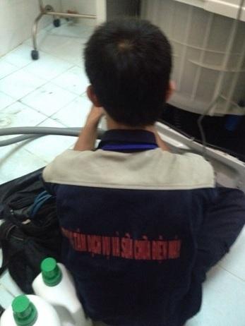 Nhái trang phục của Nguyễn Kim để đánh lừa nhận thức khách hàng