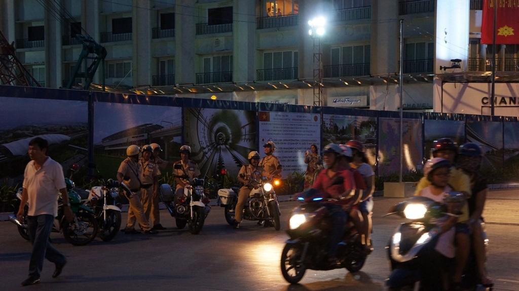 Với những màn trình diễn đường phố, thu hút khách tham quan
