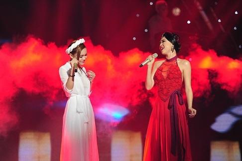 Cả hai đã cùng hòa giọng với bài hát