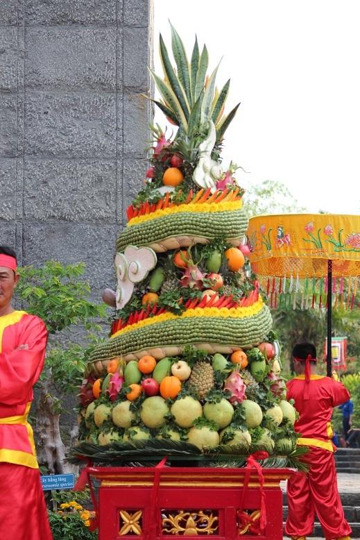 Hoa quả cũng đã được chuẩn bị chu đáo