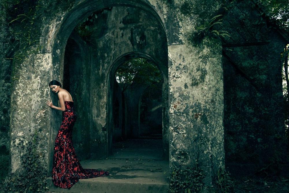 Siêu mẫu Kim Nhung bí ẩn, ma mị trong rừng
