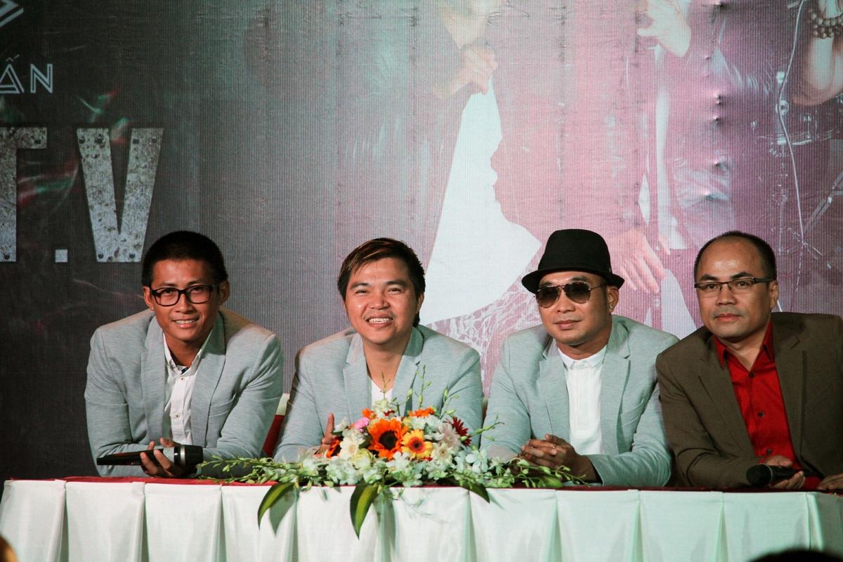 Nhóm MTV trong buổi họp báo giới thiệu liveshow Dấu Ấn tháng 6
