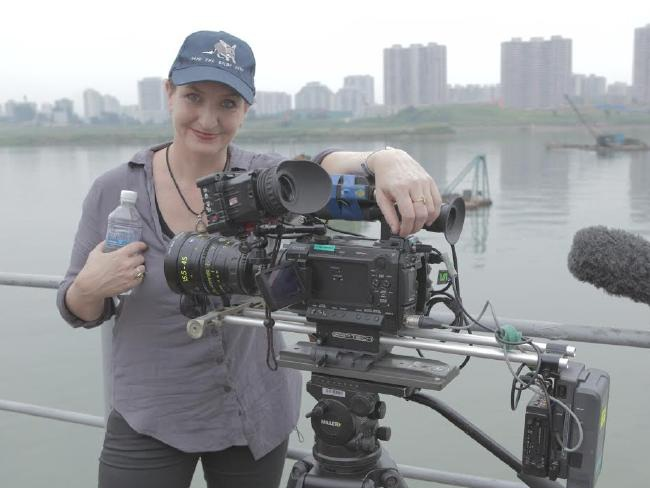 Anna Broinowski đã dành 3 tuần tại Triều Tiên để thực hiện bộ phim tài liệu