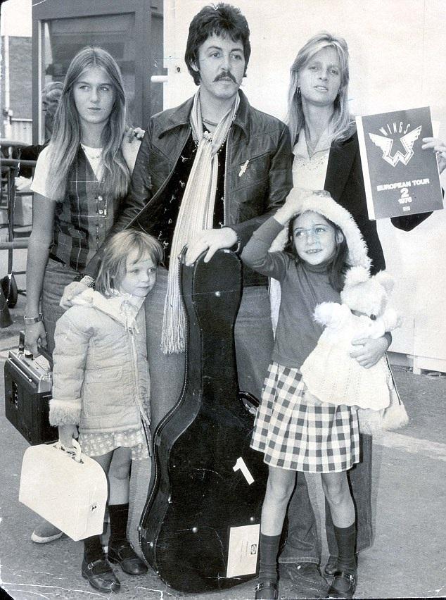 Cựu thành viên The Beatles cùng người vợ đầu tiên Linda McCartney.