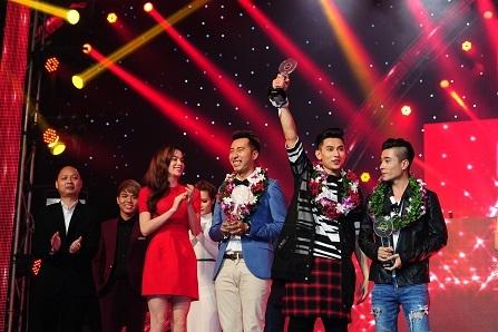 Giải Bạc thuộc về 3 chàng trai nhóm Isaac - Only C - DJ Gin