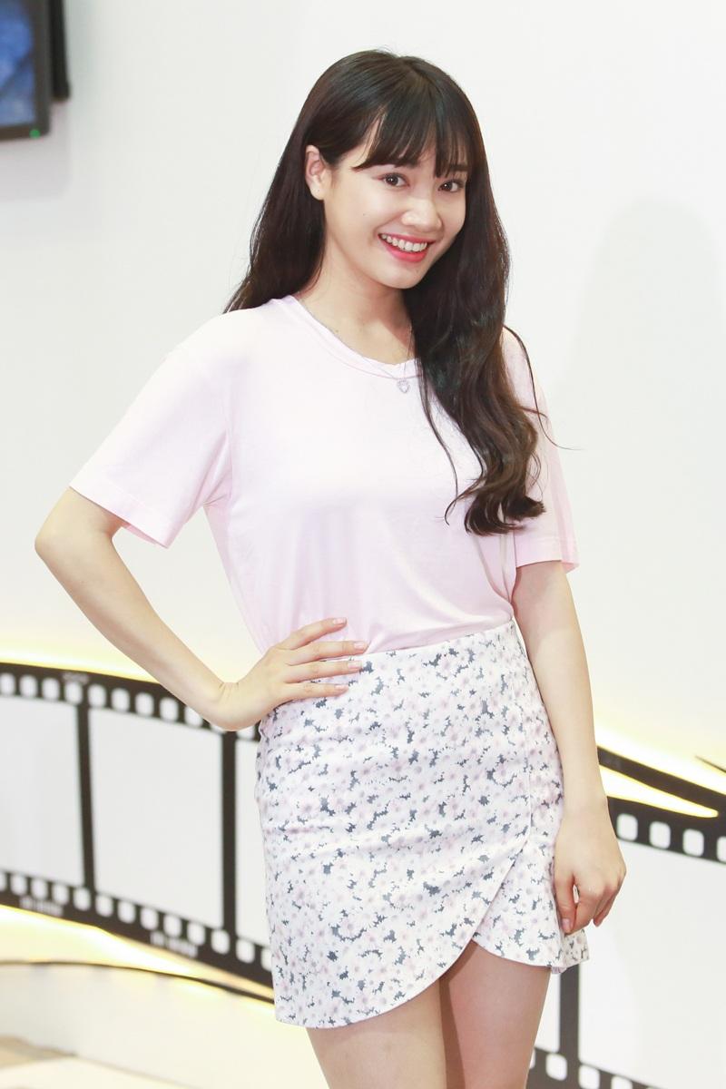 Nhã Phương sẽ là tình địch của Đinh Hương trong dự án phim này