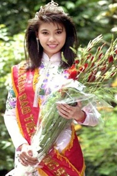 Hà Kiều Anh đăng quang hoa hậu khi chỉ mới 16 tuồi.