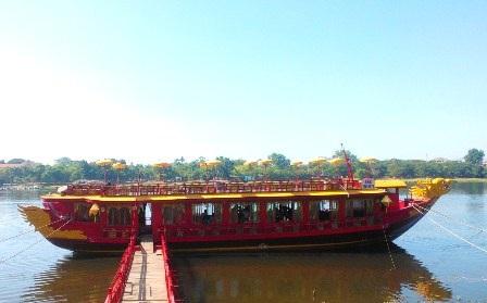 Tuần lễ vàng kích cầu du lịch cuối năm 2014 tại di tích Huế