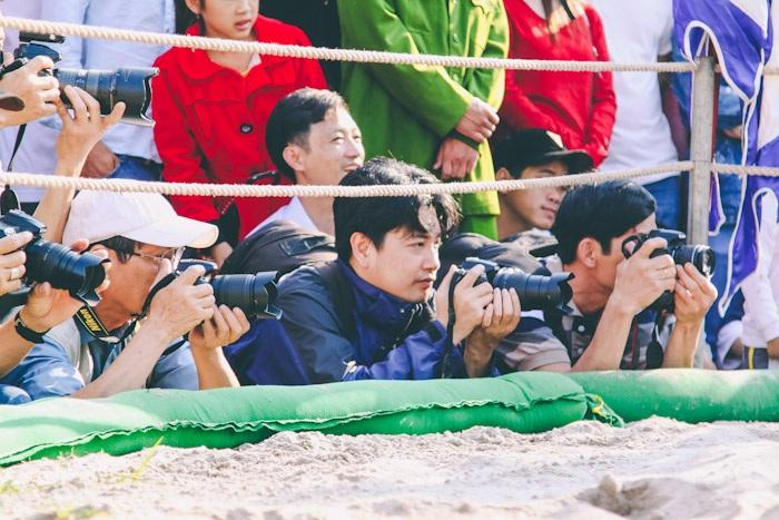 Hội vật là nơi thú vị cho nhiều nhà nhiếp ảnh và báo chí