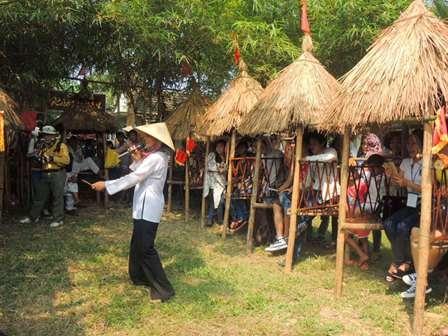 Mộc bản xưa dùng để in quân bài tới ở nhà bà Nguyệt