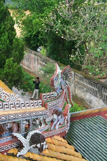 Những mái ngói tuyệt đẹp của Thái Bình Lâu nhìn từ tầng 2