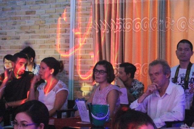Đêm nhạc thu hút rất nhiều người hâm mộ nhạc Trịnh xứ Huế