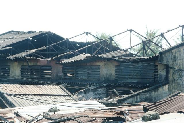Những hình ảnh chợ Nong cũ cháy tan hoang