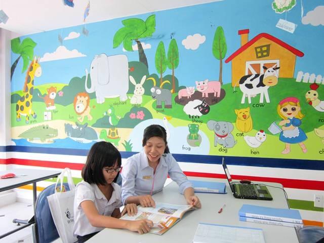 Em Trần Hồng Ngọc đang tham gia lớp học tại EZ Learning Huế