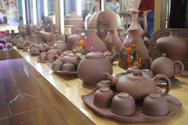 Sản phẩm làng gốm Phước Tích đạt đến sự hoàn thiện về độ thẩm mỹ lẫn chất lượng