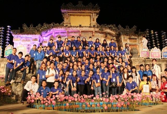 """""""Những sắc xanh tình nguyện"""" đã góp phần tạo nên sự thành công cho Festival nghề 2015"""