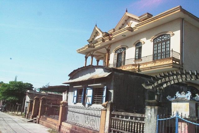 Nhà ông Thủy khá bề thế so với các ngôi nhà xung quanh.