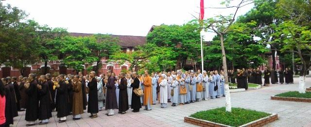 Nhiều thí sinh đến từ các tỉnh thành cả nước để thi tại Huế