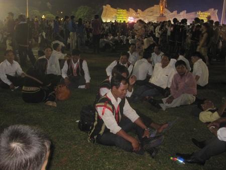 Nhiều già làng từ các huyện vùng sâu về tham dự