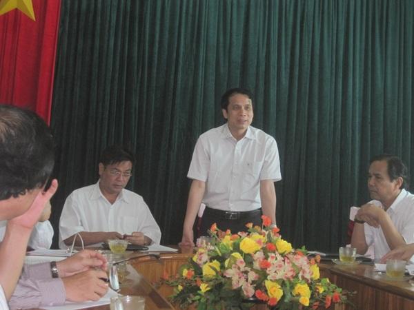 Thứ trưởng Phạm Mạnh Hùng làm việc với Hội đồng thi và chính quyền địa phương tỉnh Gia Lai