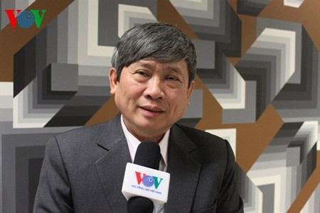 Giáo sư Nguyễn Chí Bền trả lời phỏng vấn VOV.