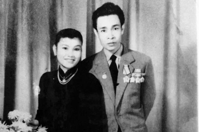 Ông bà ngoại của Thanh Hiền (hai NSƯT Nguyễn Thuý Năm và Trần Thượng Tư).