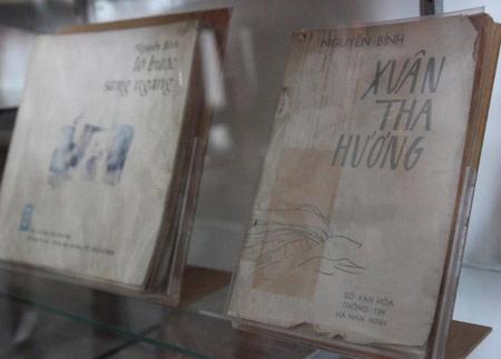 Bìa các cuốn