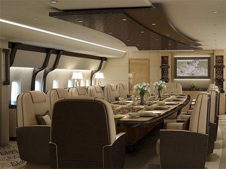 Phòng họp có thể biến thành phòng ăn lớn nếu cần thiết.