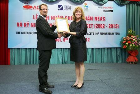 Tổ chức Kiểm định Chất lượng Đào tạo Anh ngữ Quốc Gia (NEAS) của Úc cấp chứng nhận