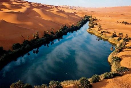 Vẻ đẹp hồ Ubari trong lòng sa mạc