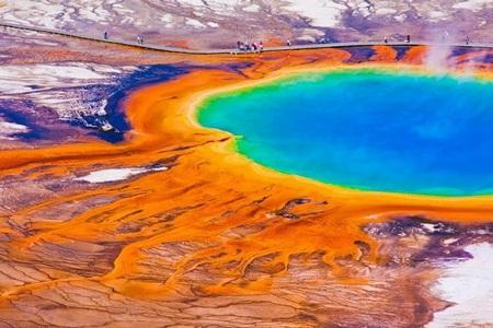 Suối nước nóng Grand Prismatic, Mỹ. (Ảnh: diply.com)