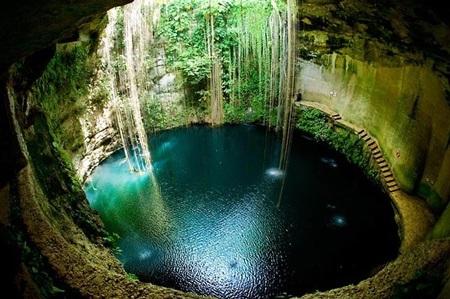 Hang động Cenotes ở Mexico. (Ảnh: diply.com)