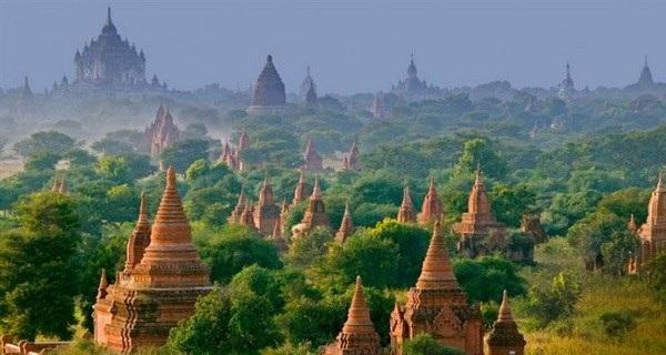 Những ngôi đền cổ ở Bagan, Myanmar. (Ảnh: diply.com)