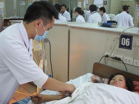 Hiện đã có 2 bệnh nhân tử vong, 11 người nguy kịch vì nấm độc. Ảnh: H.Hải